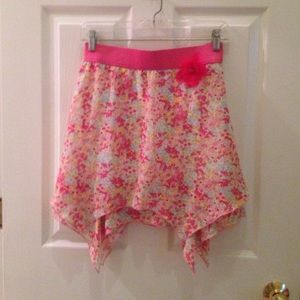 Amy Byer Floral Skirt🌷