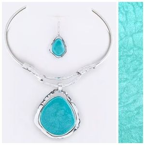 Custom Jewelry - D32 Hammered Metal Pendant Statement Necklace