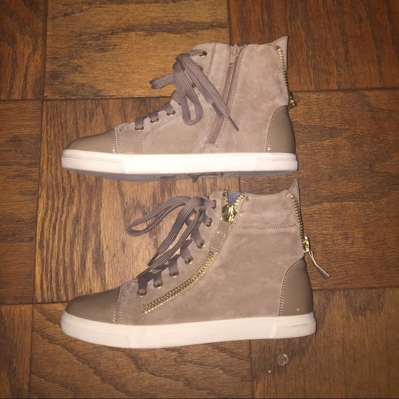 2c407fc93f9 Suede High Top Sneakers. M 569aceb5620ff7ddde00a9ad