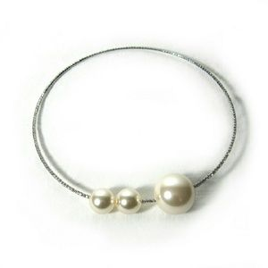 Jewelry - NWT Faux Pearl Chocker Necklace