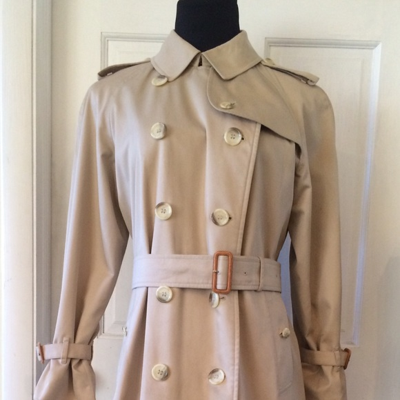 a3671e88be70d Burberry Jackets   Blazers - Vintage Women s Burberry Double Breasted Trench