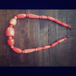 Statement necklace - coral pink
