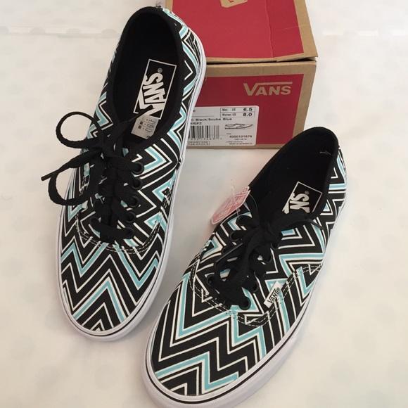 377fec94e3 🎉Flash Sale🎉VANs NWB Chevron Lace-Up Sneakers