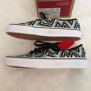 6680b11cd8 Vans Shoes - 🎉Flash Sale🎉VANs NWB Chevron Lace-Up Sneakers