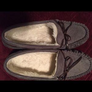 Women's house shoes