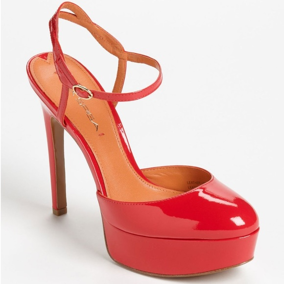 Sexy red pump