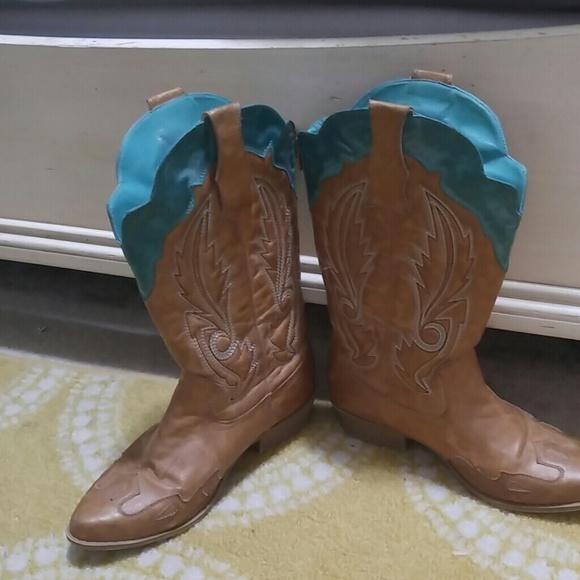 d6e06db34ea Cowboy boots wide calf 9W
