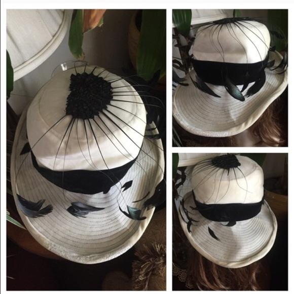 bc4b4df462e8c ... Winter White Velvet Hat. M 57b497a62ba50a6c9705cfa7