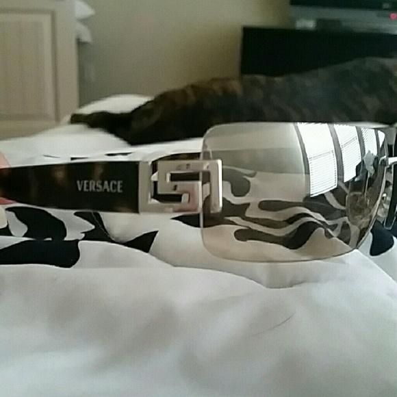 c8a9ef172e3 Authentic Versace sunglasses  -) MOD 2017 1000 BZ.  M 569bc62a13302aa5d303f3d2