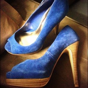 💙Steve Madden Blue Peep toe Pumps, 6.5