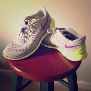 Nike Free 5.0- Women's