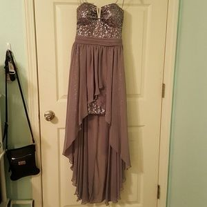 High-Low Dress great for Prom/Homecoming Events!