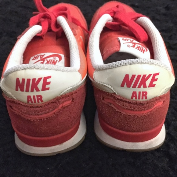 NIKE Air Vortex Vintage NYLSU mint red white, Running