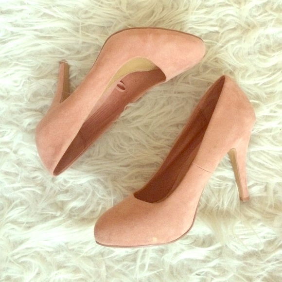 d1f4eca8f77 Forever 21 Shoes - Forever 21 blush pink heels size 8
