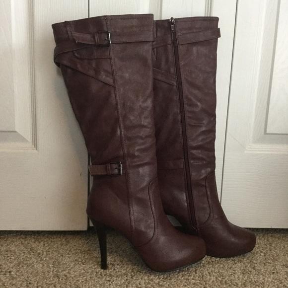 Shoes - 🌹 Maroon Heeled Boots 🌹
