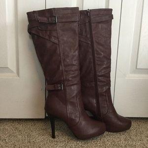 🌹 Maroon Heeled Boots 🌹