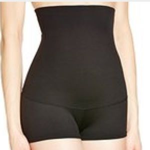 Maidenform Other - NEW Maidenform Small black shaping shorts
