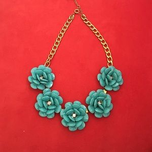 Ily Couture Jewelry - Ily couture flower necklace.
