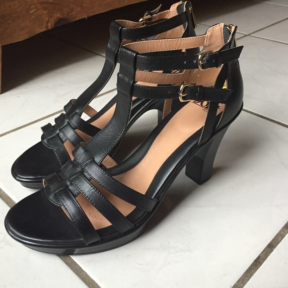 f29364afeba Söfft black 3 inch strappy heels. M 569c12207fab3ac0b90469a1