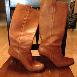Soft leather brown boots with 3 inch heel