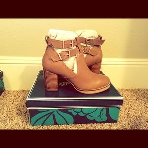 Seychelles double buckle Bootie NEW TAN leather