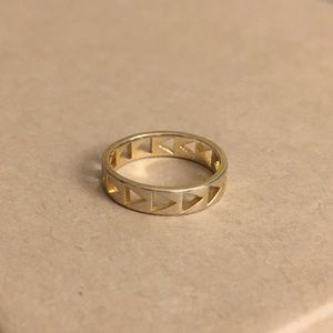 Gorjana Jewelry - PM Editor Pick 🎉 Gorjana Triangle Arrow Gold Ring