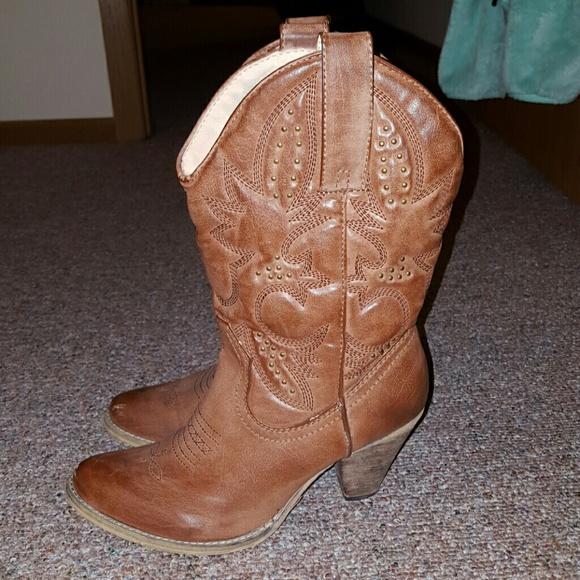 78e982bb4dcbd Volatile- Brandy Cowgirl Boot. M 569c6870bcd4a7fc6a012bd3