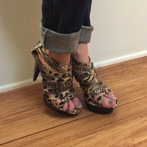 Leopard print caged high heels