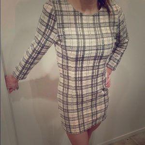 White plaid long sleeve mini dress