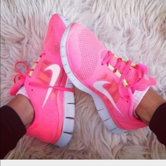 631324db9178 Nike women s hot pink size 7 free runs. M 569cbcb77fab3a057b054dcc
