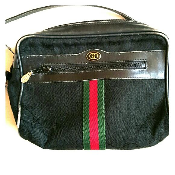 16f5948e333 Gucci Handbags - Vintage Gucci Parfums shoulder canvas purse