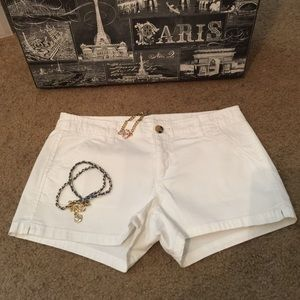 Arizona Jean Company Pants - Arizona White Juniors Shorts - Sz 7