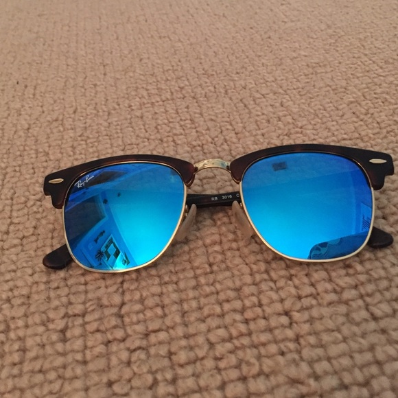2aaba9d84c Ray-ban Clubmaster Blue Flash Lens small. M 569d28ae522b45bf0c004575