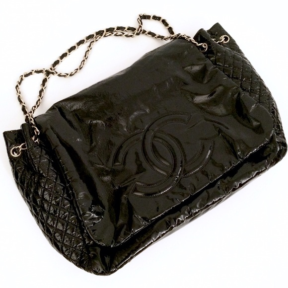 b57d6064ba67 CHANEL Handbags - SALE‼ CHANEL Rock & Chain Patent Black XL Bag