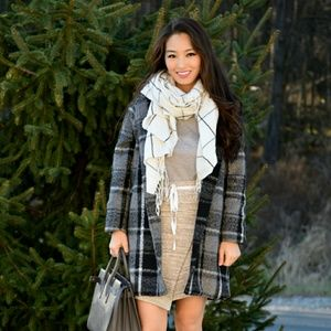 Grey State sand colored skirt!