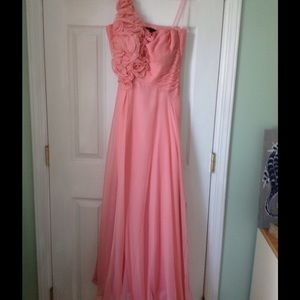 REDUCED🎉🎊 Formal / PromGown  Coral/ Peach Color