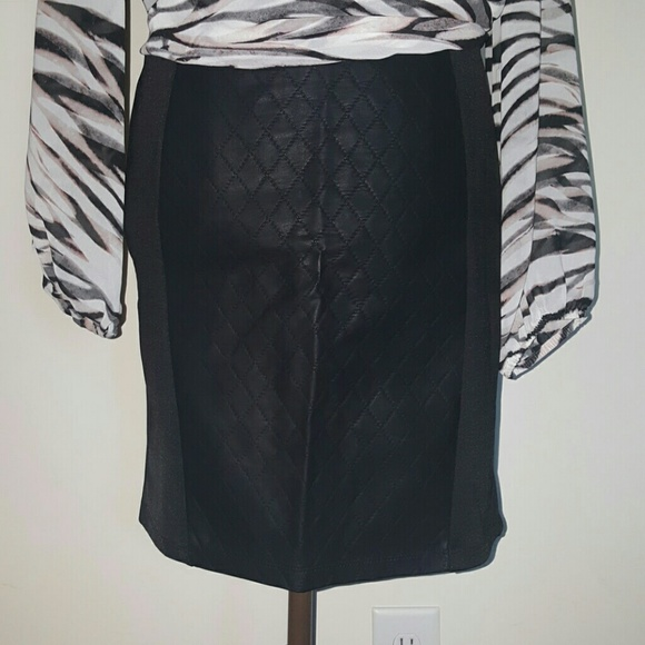 black pencil skirt with faux leather panel l from toschia
