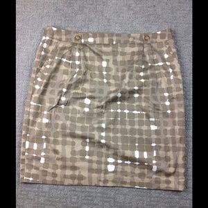 Detailed skirt good for work (offer)