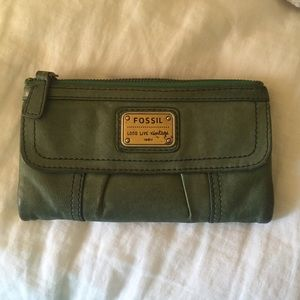 Fossil Wallet -- Seafoam Green
