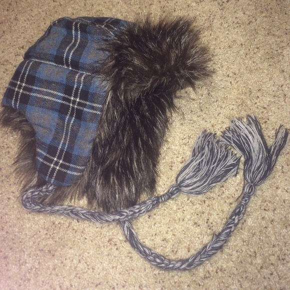 d09e896a86315 American Eagle Outfitters Accessories - American eagle Trapper hat with  headphones