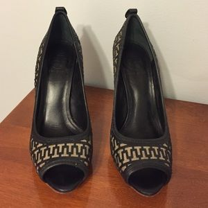 Size 8 Tory burch high heel pumps