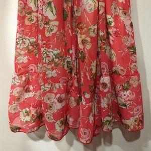 Tea & Rose Other - Boutique Floral Romper (Tea & Rose)