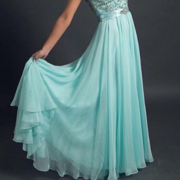 Macduggal Dresses | Mint Colored Prom Dress With A Bustle And Train ...