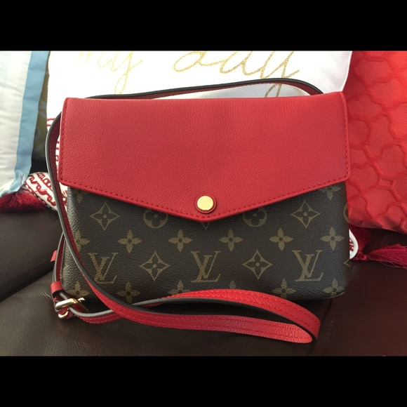 Louis Vuitton Handbags - SOLD. Authentic Louise Vuitton Twice 7e06bbec514b3