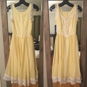 Gunne sax Dresses & Skirts - Gunne sax vintage prairie dress yellow Ruffles