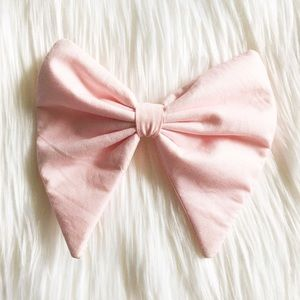 Accessories - Soft Pink Jumbo Hair Bow