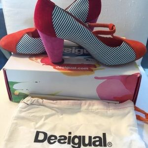 Desigual size 8 shoes multicolor suede