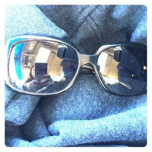 Pre loved Gucci sunglasses in tortoise