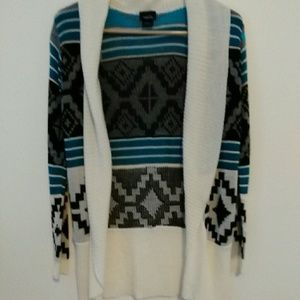Aztec sweater. Never worn, great condition. Size S