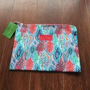 NWT: Lilly Pulitzer printed zip pouch!